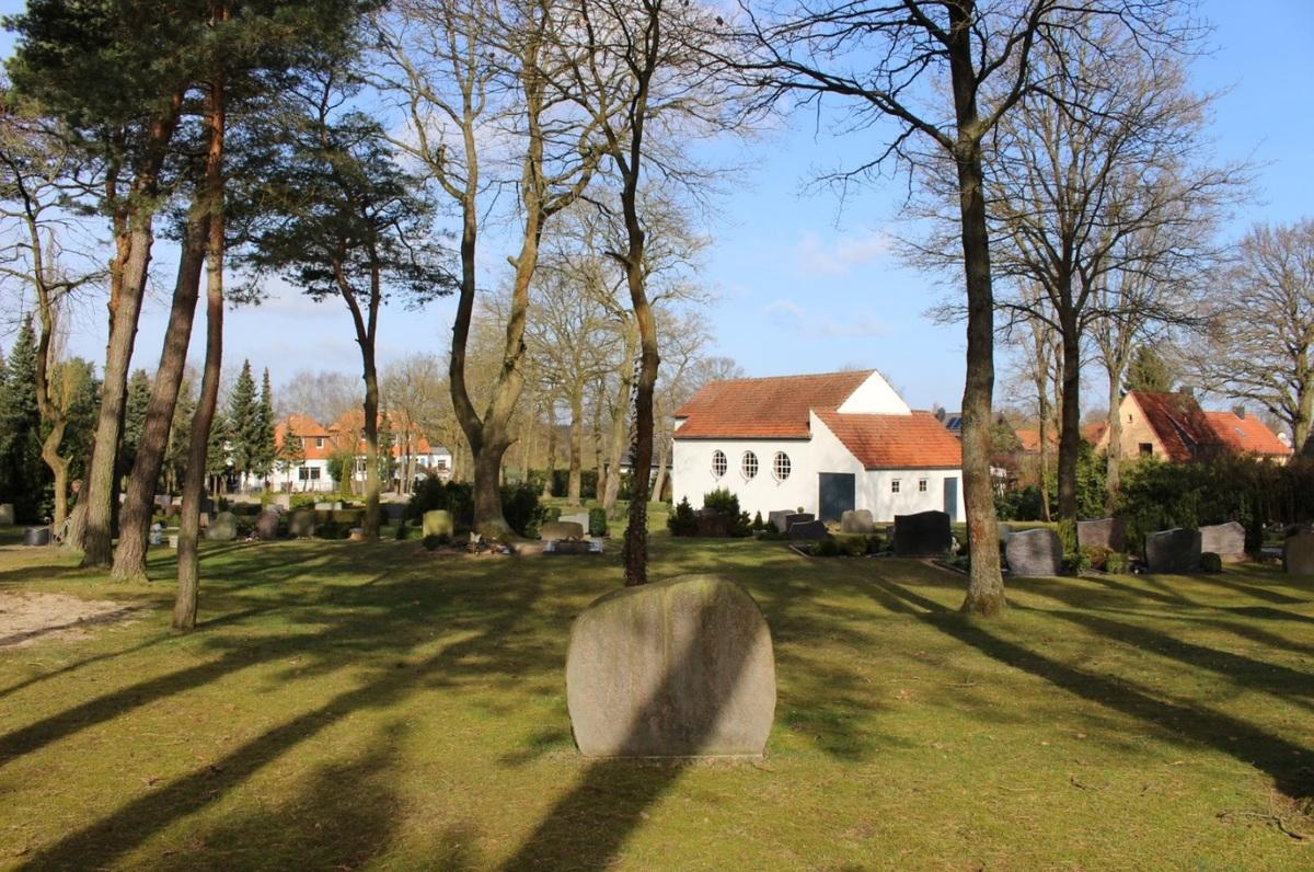 Blick auf den Friedhof in Obershagen