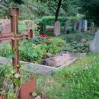 Sicht auf Grabstätten auf dem Friedhof in Bissendorf